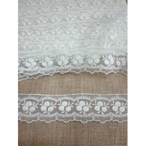 Cream Valencienne Lace with Little Roses  - Width 4,50 cm