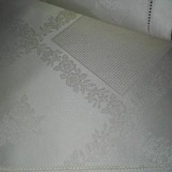 Mantel con Rosas - Color Crema - 100x100 cm