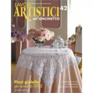 Rivista Mani di Fata - Lavori Artistici all'Uncinetto n. 42